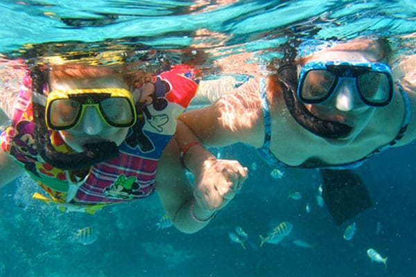 Family fun and Snorkeling off Isla Tortuga in Costa Rica